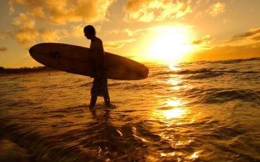 Surf in Australia economia AdviseOnly