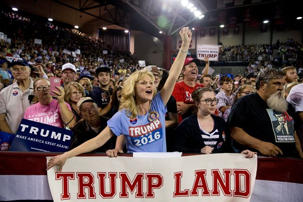 Donald Trump presidente calano le azioni