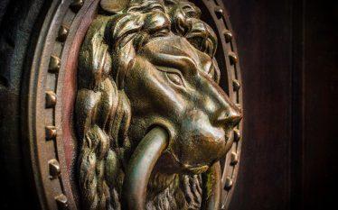 Ha senso investire in obbligazioni secolari?