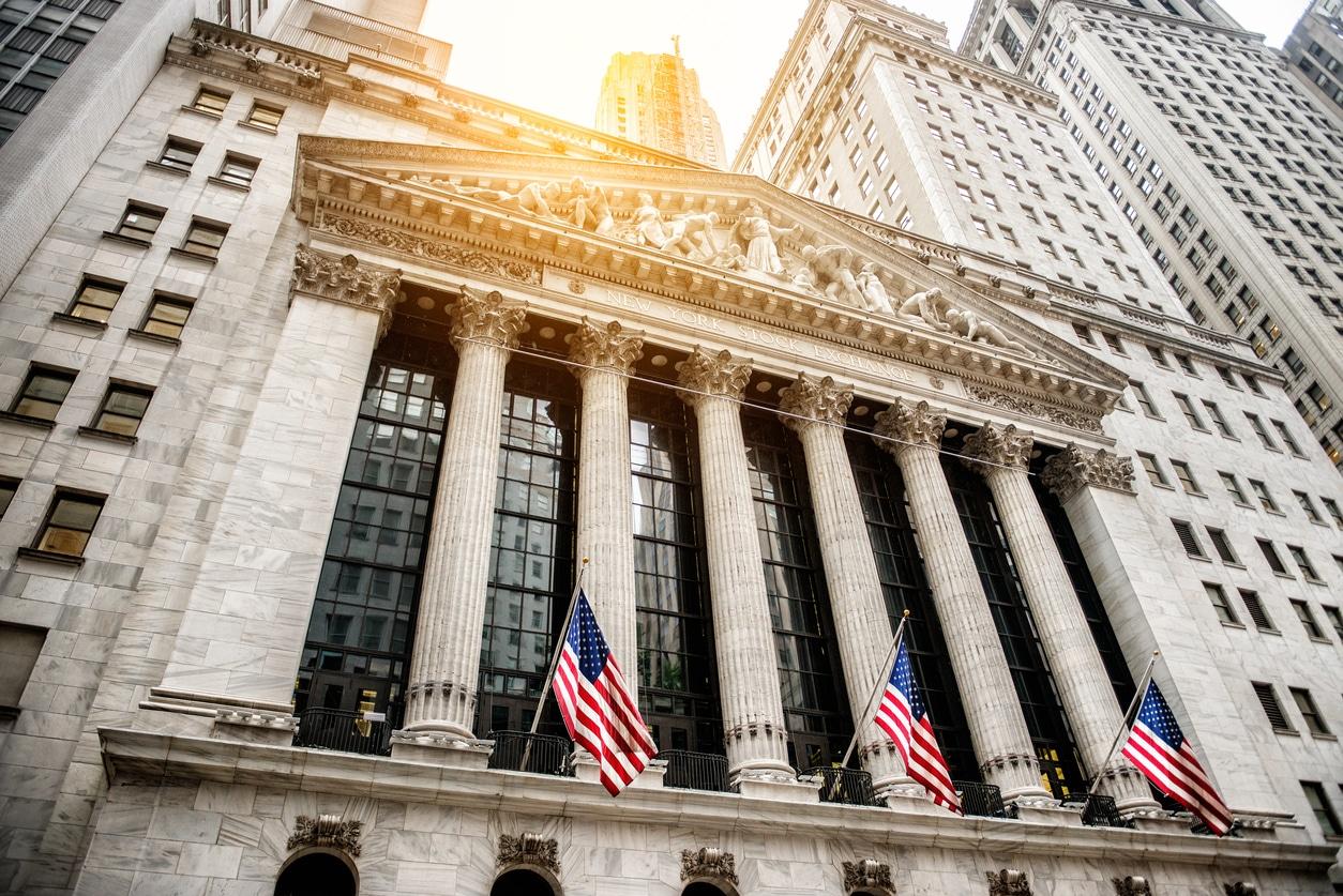 Mentre gli indici mondiali sono scesi, i titoli di Stato sono risaliti un po' dappertutto anche a seguito delle riunioni di politica monetaria di inizio anno. La BoJ è corsa subito ai ripari.