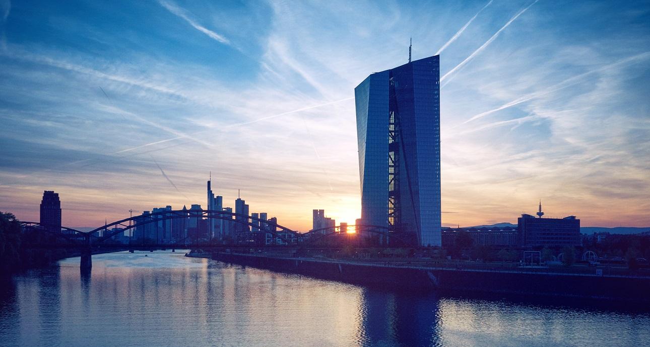 Brexit ennesimo rinvio e anche la BCE rallenta sui tassi.